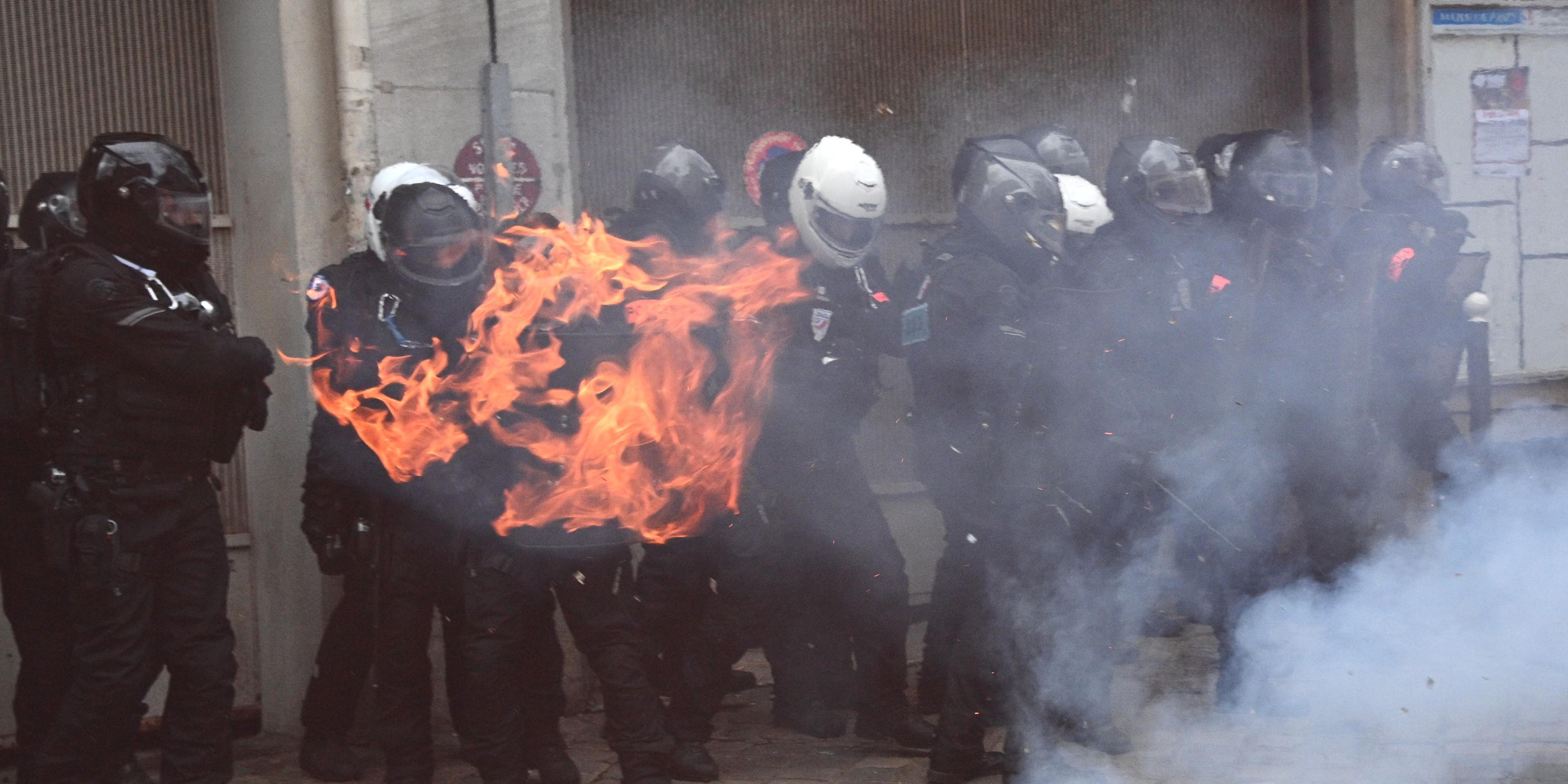 Securite Globale 52 350 Manifestants En France Selon Le Ministere 64 Interpellations