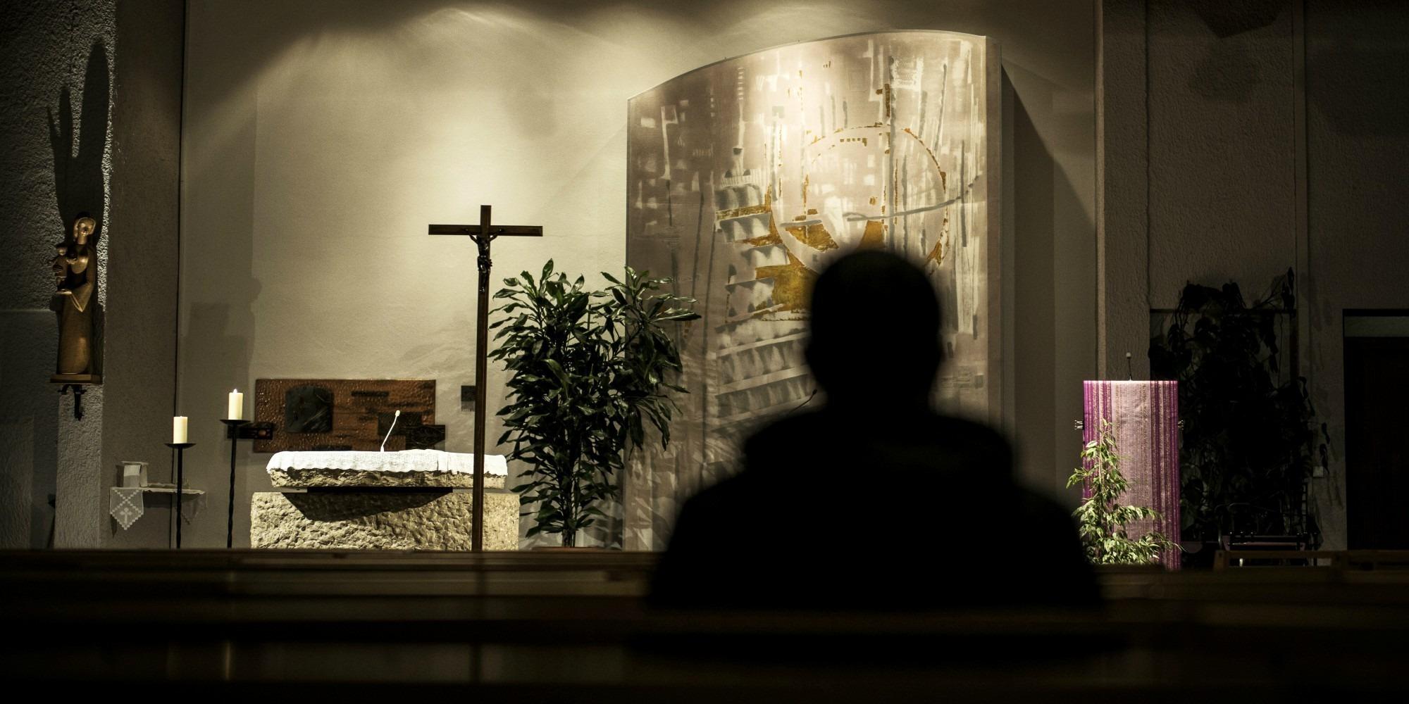 """Violences sexuelles dans l'Eglise : la commission """"inceste"""" entame son tour de France à Nantes"""