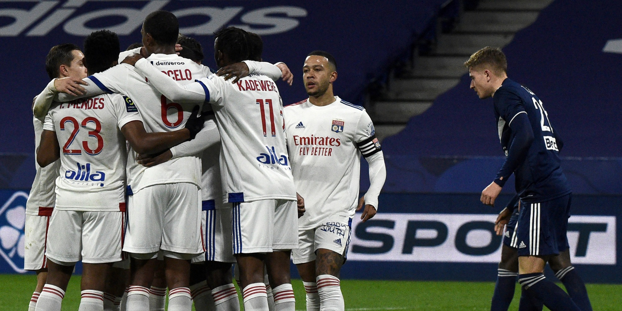 Ligue 1: Lyon domine Lorient 4-1 et remonte sur le podium, Monaco sous pression