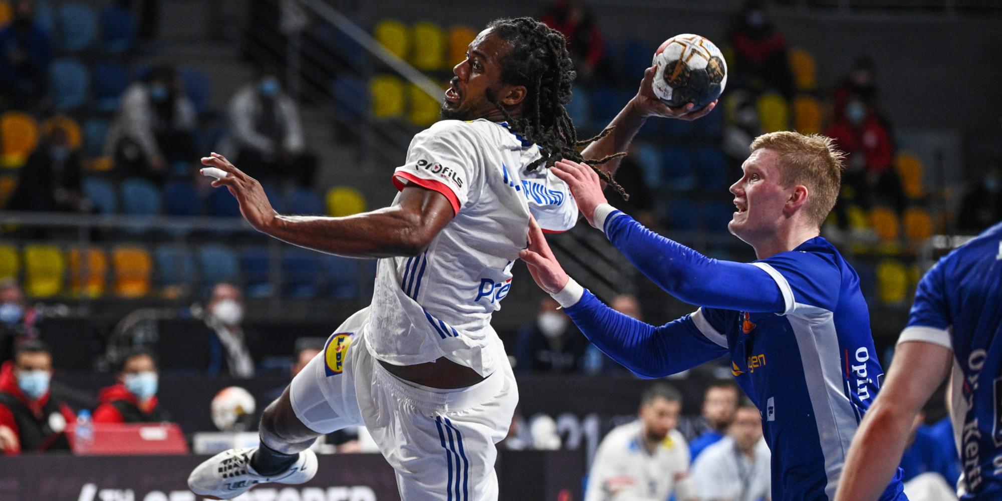 Mondial de hand : la France proche des quarts après son succès sur l'Islande (28-26)
