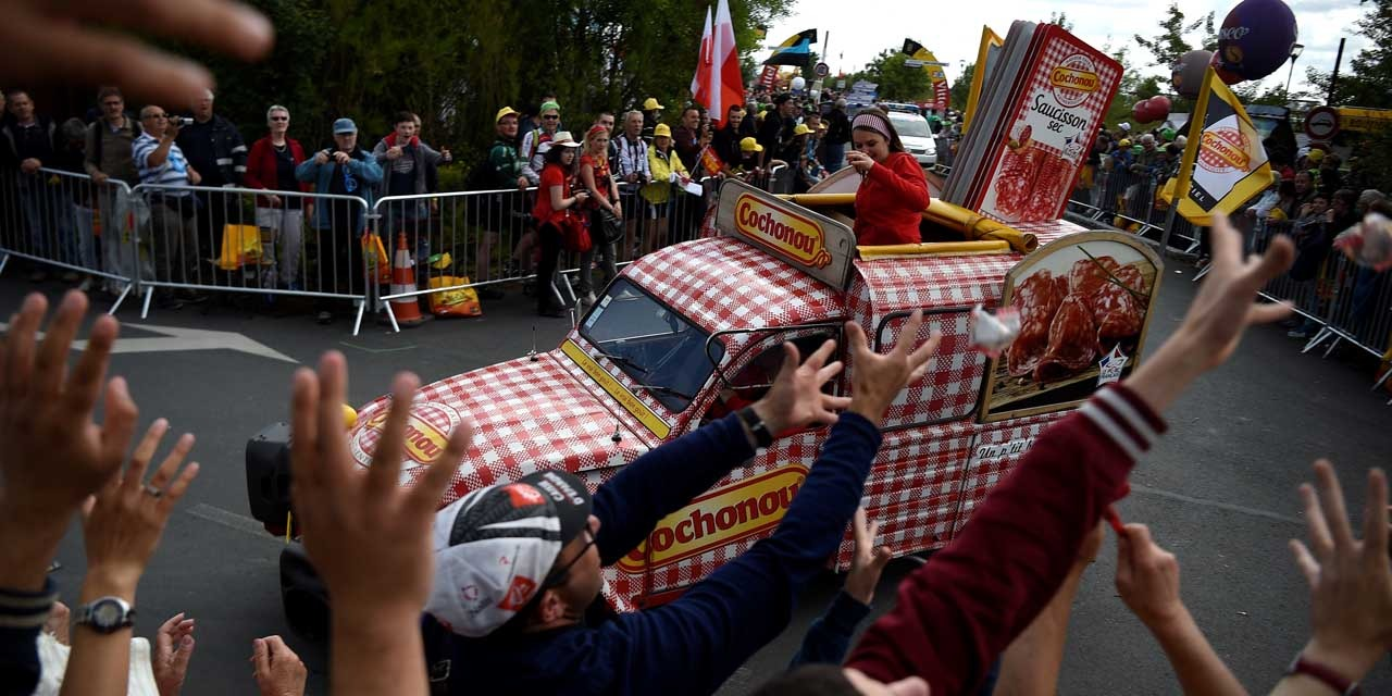 Tour De France Parcours Medias Securite Caravane Les 15 Chiffres Du Tour